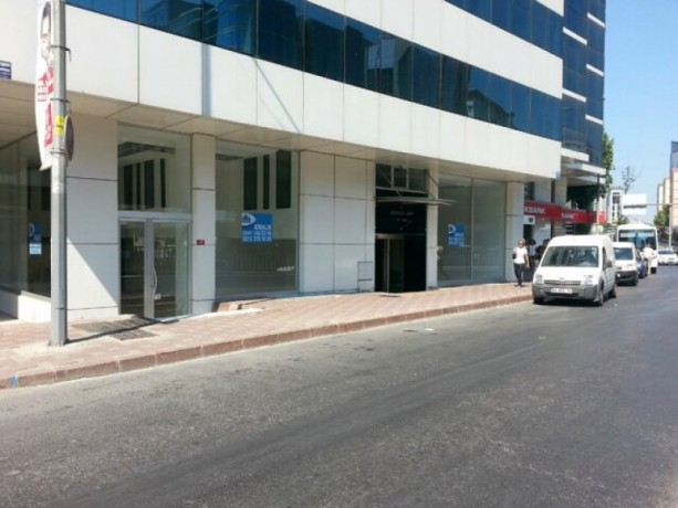 600m2-store-on-mecidiyekoy-main-street-big-10