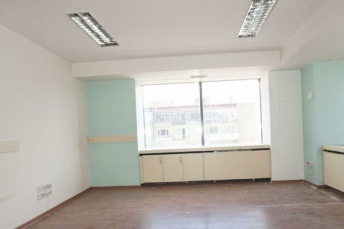 besiktas-barbaros-boulevard-plaza-office-floor-near-metrobus-big-3