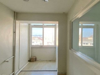 200m2 in Taksim Center. spacious office with elevator
