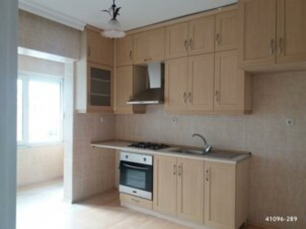 istanbul-kartal-kordonboyu-2-bedroom-sea-view-apartment-for-sale-big-3