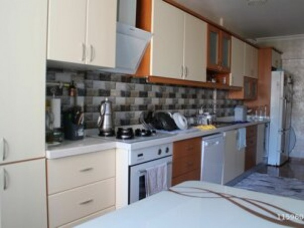 istanbul-beylikduzu-adnan-kahveci-renovated-3-bedroom-apartment-cheap-big-2