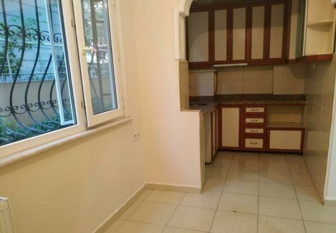 istanbul-bahcelievler-siyavushpasa-3-bedroom-if-you-want-to-have-a-house-with-a-garden-big-8