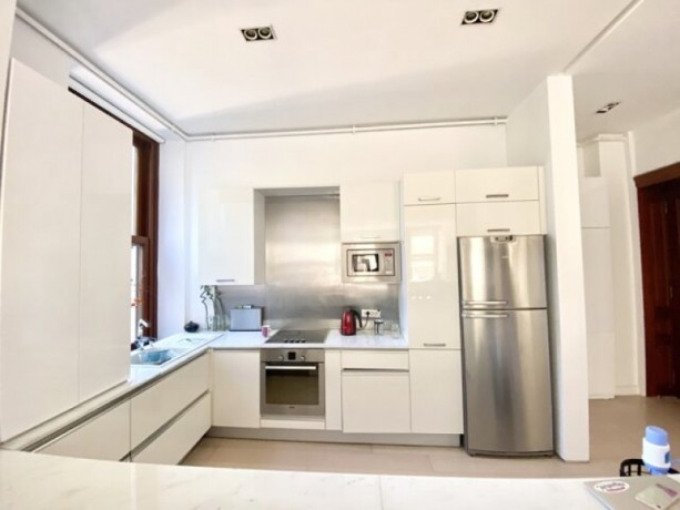 istanbul-beyoglu-130m2-2-bedroom-with-high-ceiling-security-parking-lot-in-historic-building-big-5