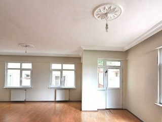 Istanbul Umraniye WELL-MAINTAINED MID FLOOR APARTMENT 2 BEDROOMS