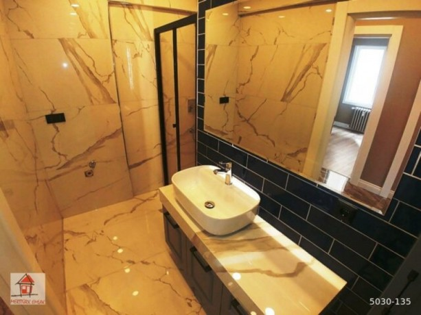 istanbul-kadikoy-luxury-apartment-with-large-balcony-with-magnificent-decor-big-9