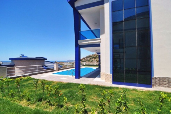 independent-villa-with-private-swimming-pool-big-3