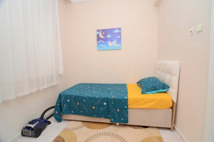 a-few-steps-separate-you-from-the-sea-in-alanya-big-10