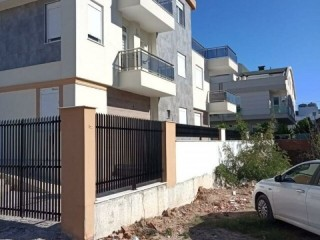 DIFFERENCE FROM TURKEY IRESIDENCE, THE REVERSE DUPLEX ENTRANCE AT GÜZELOBA LARA