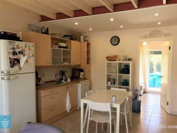 31-villa-with-shared-pool-for-rent-in-alacati-big-11