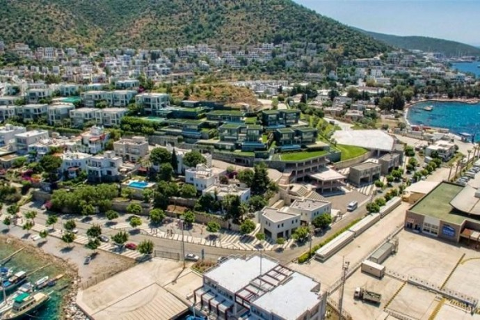 shalvaraga-houses-rises-in-kumbahce-with-views-of-bodrum-castle-big-4