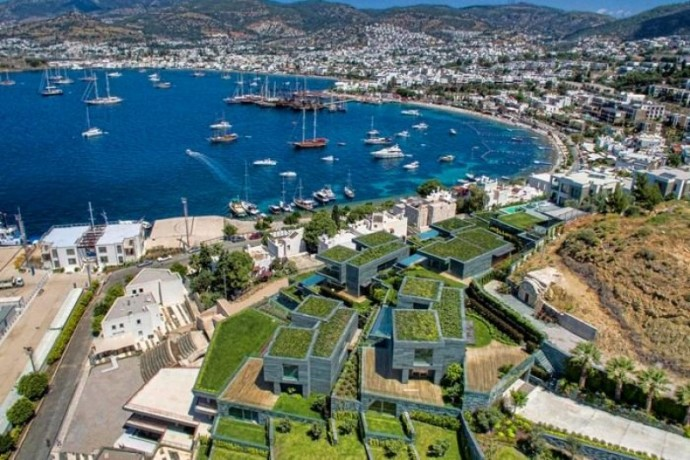 shalvaraga-houses-rises-in-kumbahce-with-views-of-bodrum-castle-big-5