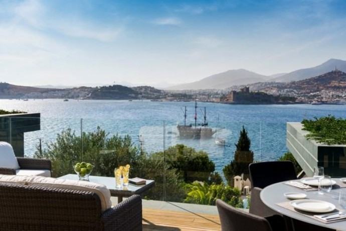 shalvaraga-houses-rises-in-kumbahce-with-views-of-bodrum-castle-big-11