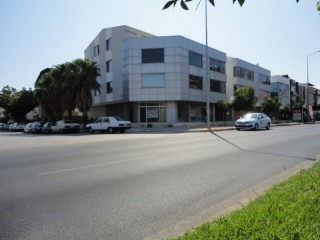 Showroom for sale Antalya Lara for commercial use
