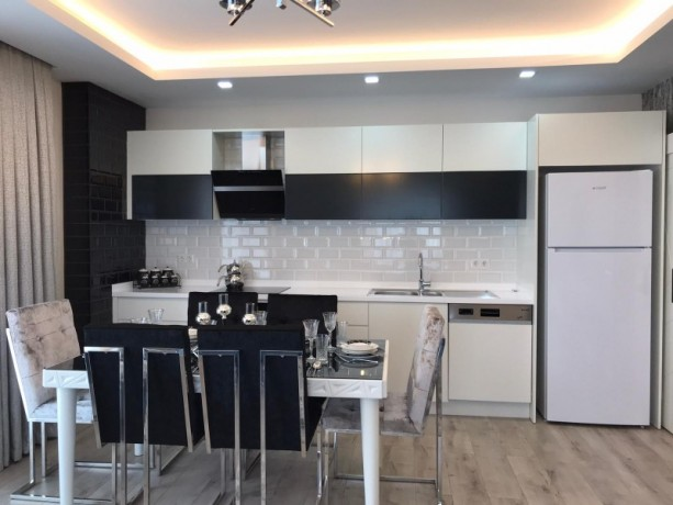 new-luxury-residences-with-full-activities-for-sale-big-3