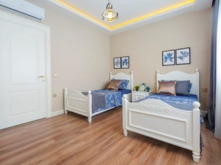 NEW LUXURY RESIDENCES WITH FULL FACILITIES FOR SALE